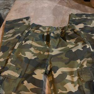 Children's Place boys camo pants